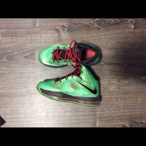 Boys Nike LeBron Basket Ball Shoes